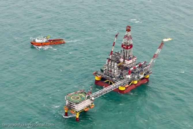Добыча нефти в море на Offshore